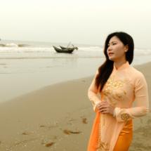 6.Anne singing on the beach in Vietnam